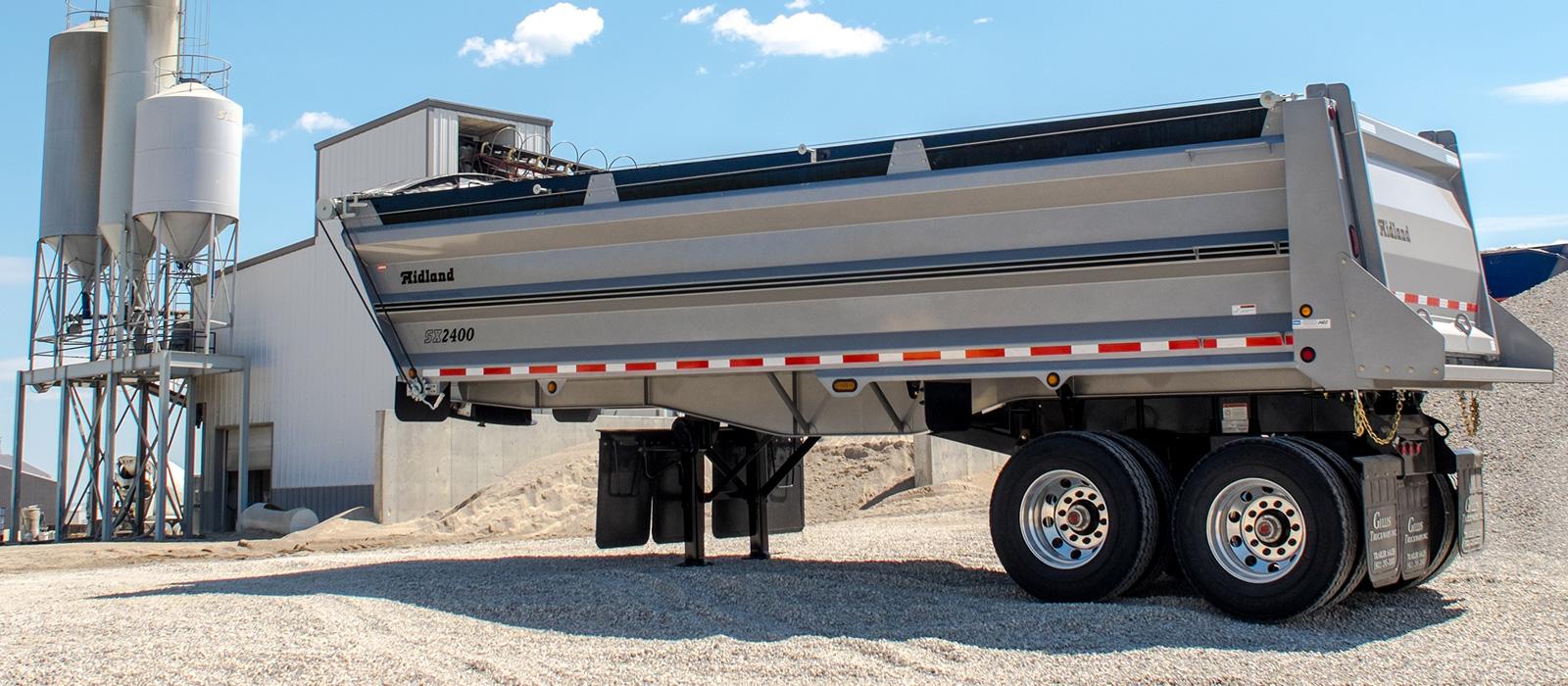 SX 2400 trailer