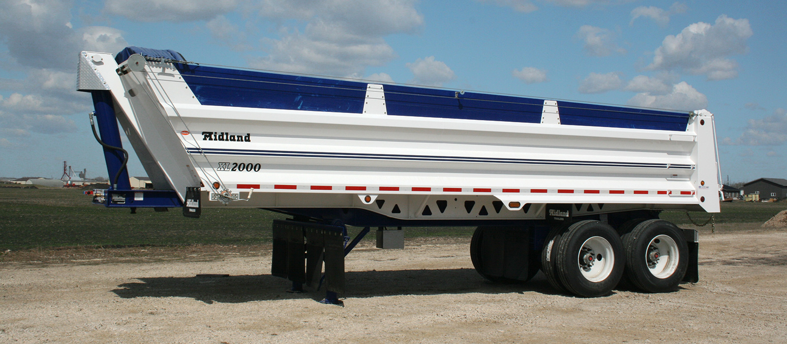 XL 2000 trailer