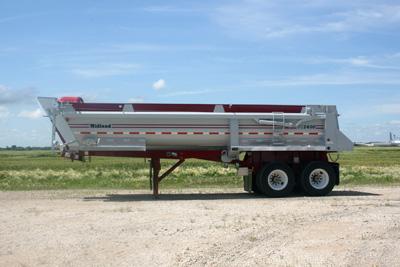 sk2400 gravel trailer