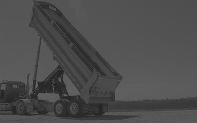 End Dump Gravel Trailer Hydraulics Extended