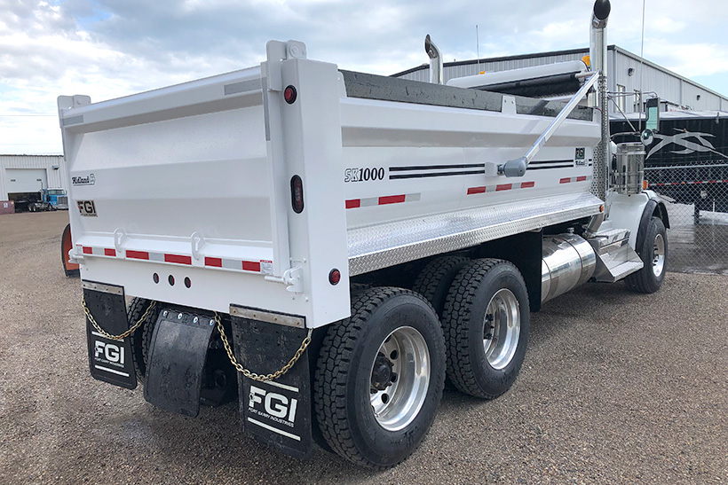 SK1000 gravel body trailer